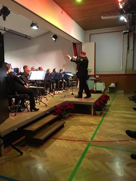 Anspruchsvolle Weihnachtsgedichte.Zwei Abwechslungsreiche Und Anspruchsvolle Konzerte Gemeistert